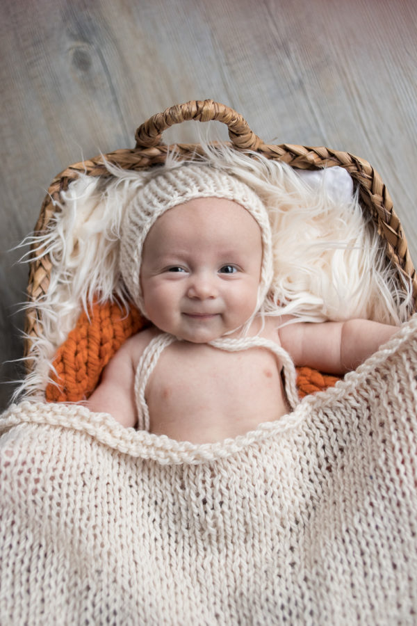 Baby photoshoot 2-3 months